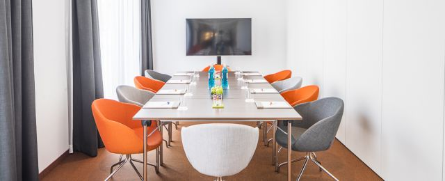 Meeting Guide Berlin, Tagungshotel Capri Berlin, Tagungsraum Pow Wow 1 als Boardroom