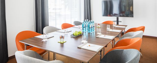 Meeting Guide Berlin, Tagungshotel Capri Berlin, Tagungsraum Pow Wow 2 als Boardroom