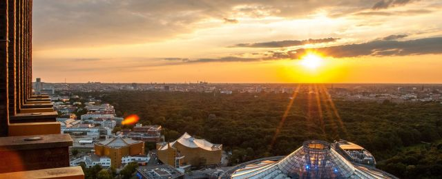 Blog Berlin Meetings, event location Berlin, view over Berlin at sunset