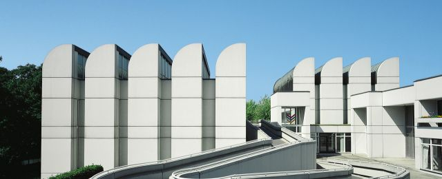 Blog Berlin Meetings, architectural highlights Berlin, 100 years Bauhaus, Bauhaus Archive exterior view