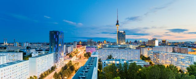 Blog BerlinMeetings, hotel charter for the recruitment of major congresses, Berlin skyline at night