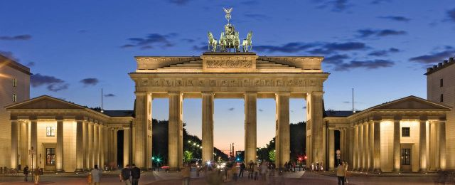 Brandenburger Tor in Berlin am Abend