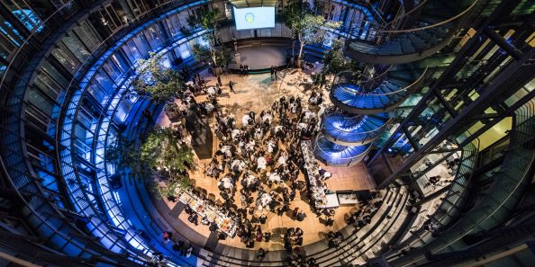 Blog BerlinMeetings, Berlin Science Congresses, World Health Summit Night, guests in the hall from above